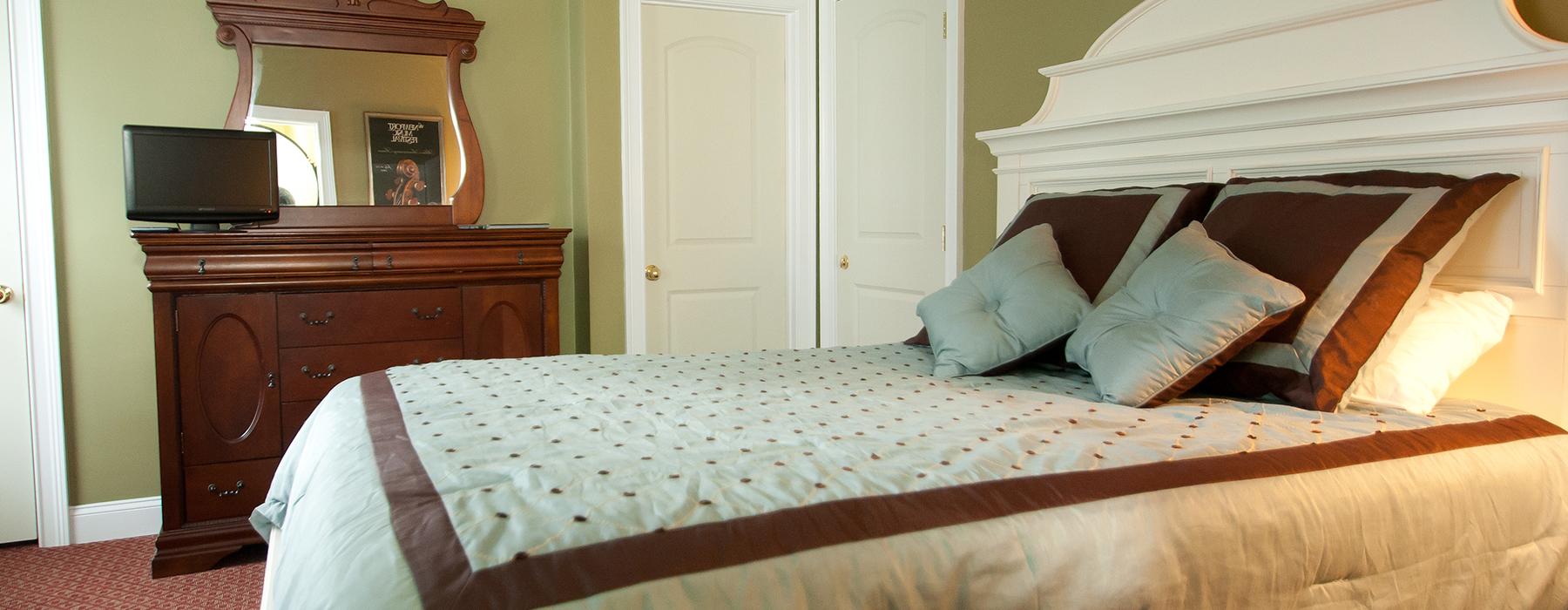 Room-8-Syrah1