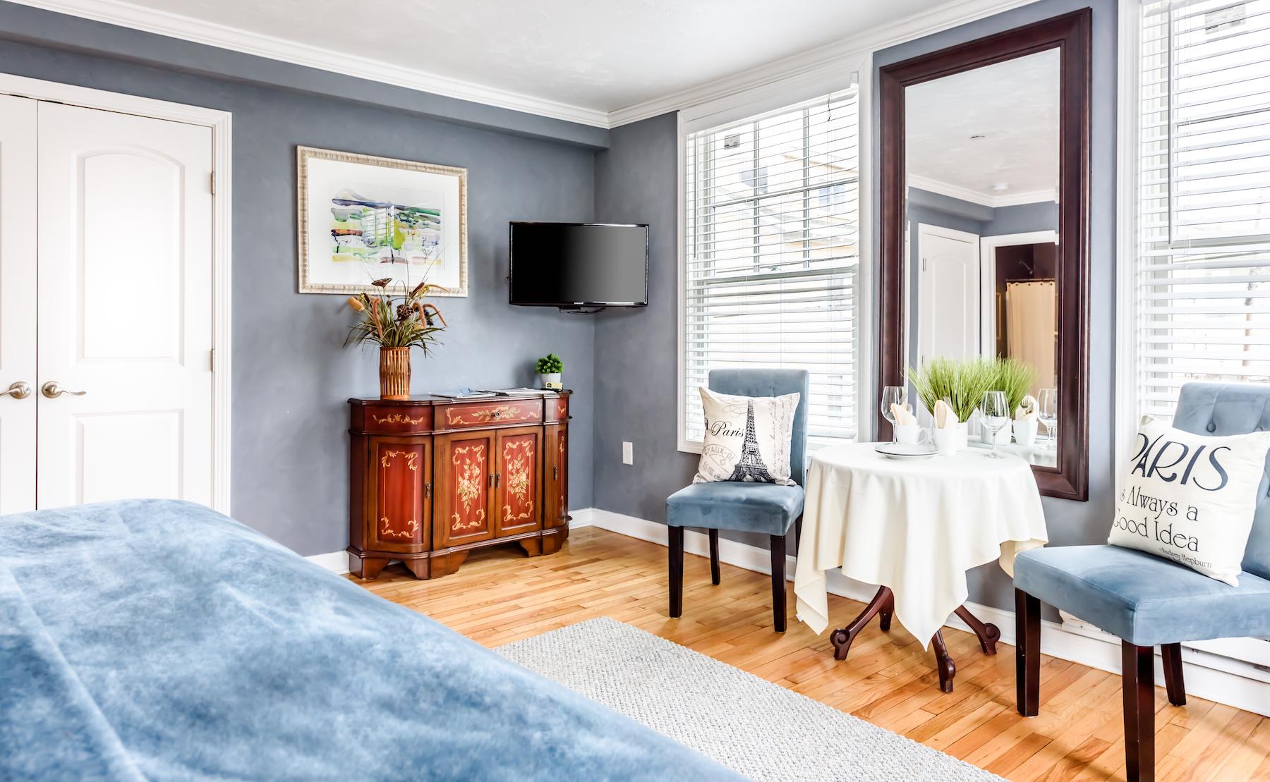 Inn-Room-15-and-Bathroom-20180316-002-Edit-1