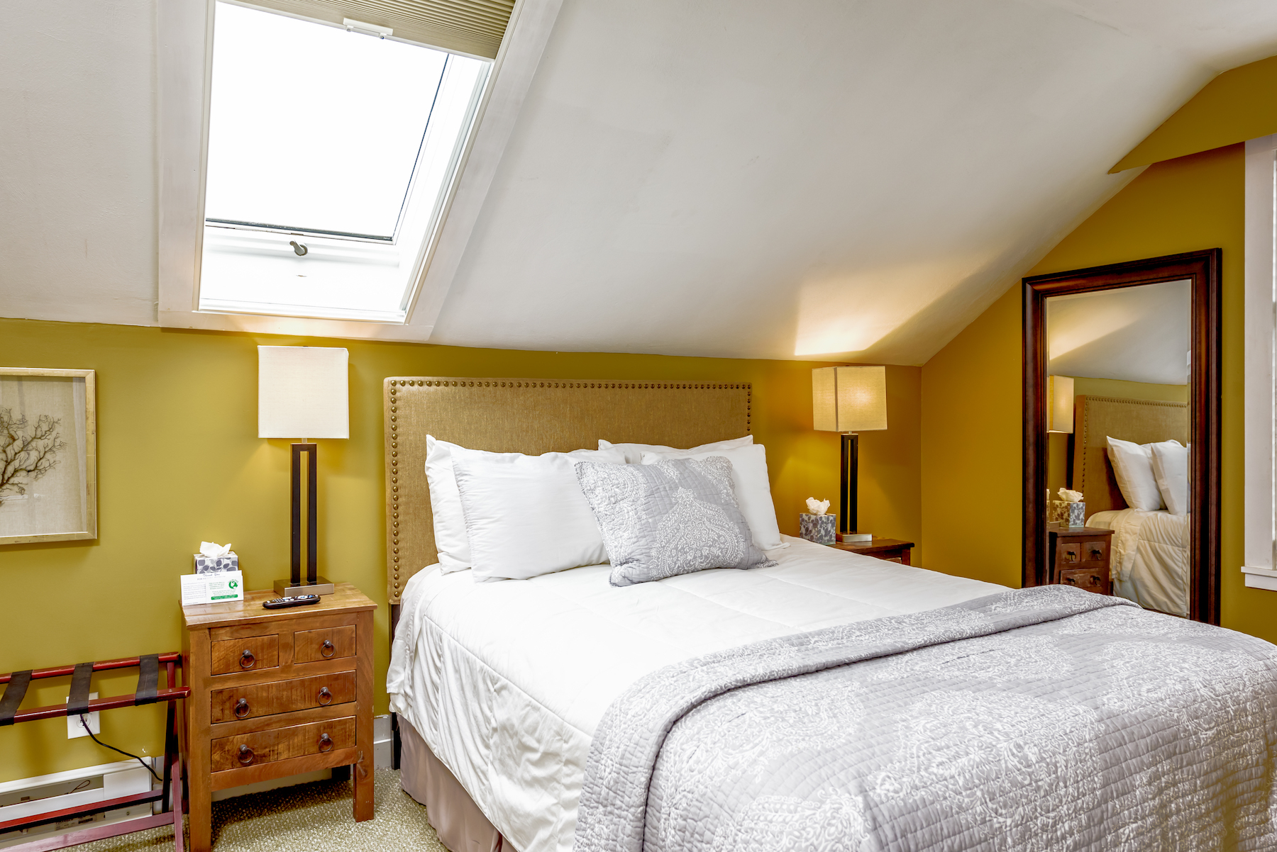 Inn-Room-16-and-Bathrooms-20180419-100-1
